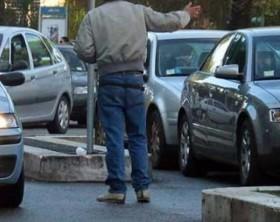 Parcheggiatore abusivo-4