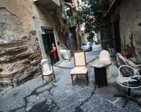 Quartieri popolari di Napoli:Vicoli, bassi, extracomunitari