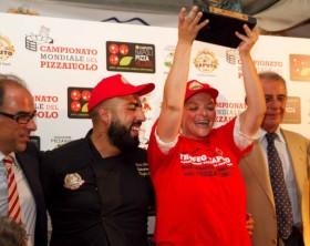 Teresa-Iorio-Campione-Mondiale-pizza-Stg-640x426