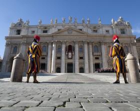 guardie-svizzere-citta-del-vaticano