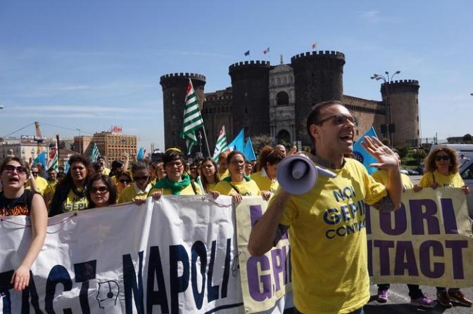 Almaviva: 2511 licenziamenti a Roma e Napoli