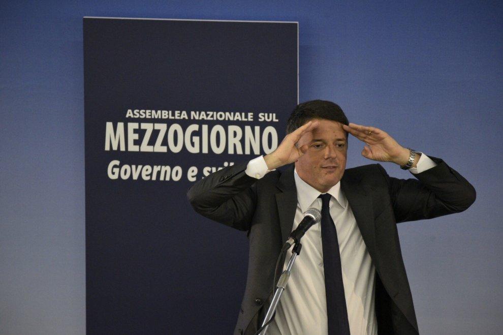 Referendum. Renzi contestato nel suo tour partenopeo a favore del