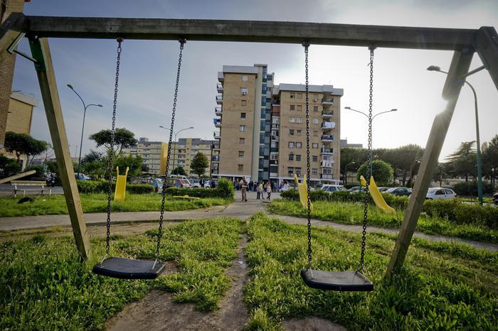 Parco Verde, orrore senza fine: abusi su una bimba di quattro anni