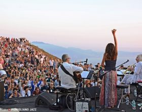 enrico-rava-maria-pia-de-vito-roberto-taufic-sarau-sull-vesuvio-pomigliano-jazz-festival-2015-ph-a-titti-fabozzi