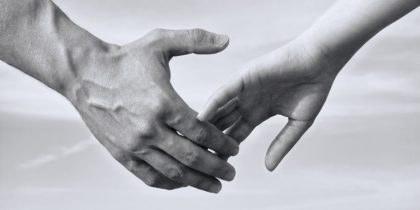 o-holding-hands-facebook-1170x585