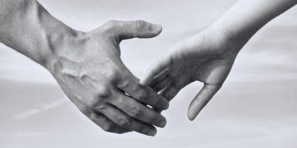 o-holding-hands-facebook-1170x585