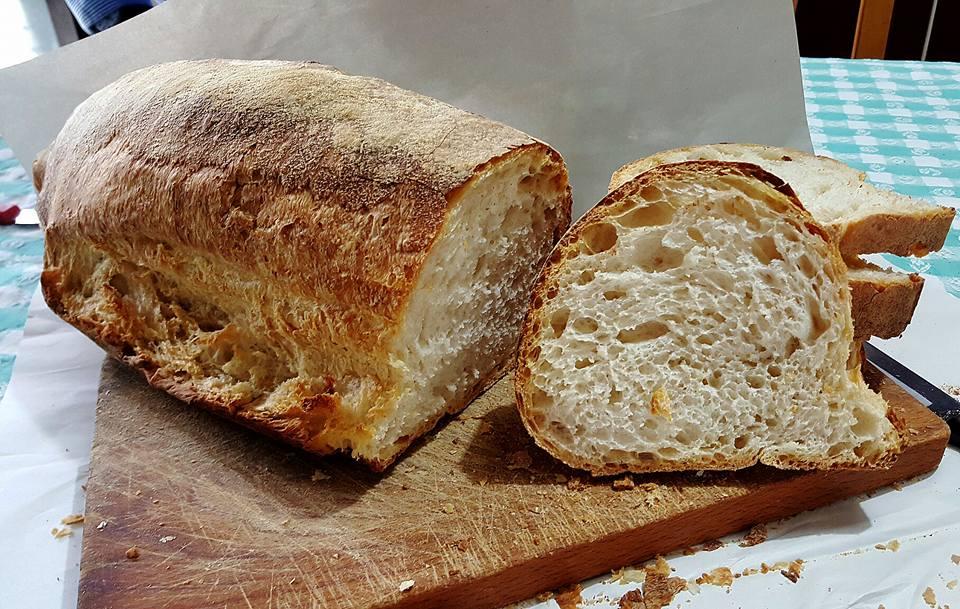 Credenza Per Pane : Pane al rosmarino con lievito madre secco il pomodorino confit