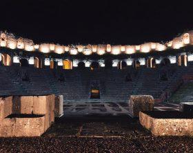 teatro-romano-di-notte