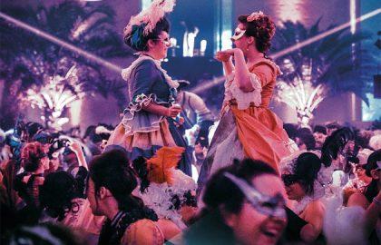 costumes-de-cour-grand-bal-masque-versailles-2017-630x405-c-dr