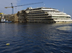 two-years-ago-the-costa-concordia-capsized-off-the-coast-of-italy--heres-what-it-looks-like-now