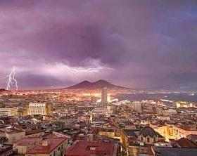 Maltempo-con-temporali-in-arrivo-a-Napoli
