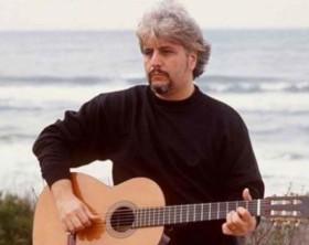 700_dettaglio2_26--Il-mondo-di-Pino-Daniele-con-la-sua-chitarra-ha-creato-un-nuovo-stile-musicale