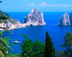 I faraglioni di Capri (foto Alamy/Milestone Media)