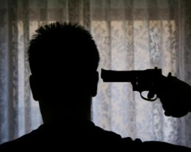suicidio_pistola_N