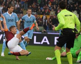 Soccer: Serie A, Roma-Lazio