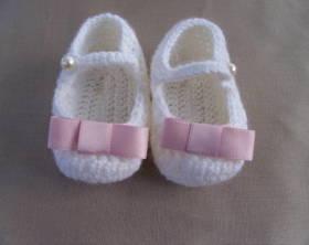 Come-fare-scarpette-neonata-a-uncinetto-Istruzioni-in-Italiano
