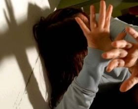 costringono_compagna_a_fare_sesso_orale_quattro_adolescenti_arrestati_a_savona-0-0-391235