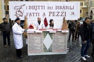 l43-protesta-disabili-montecitorio-120306184753_medium