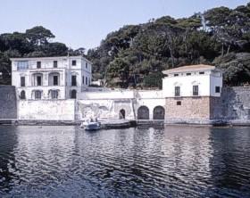 villa r1