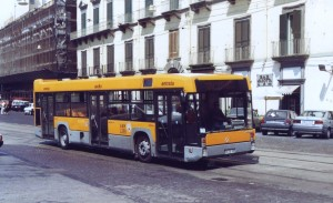Autodromo_bus_L239_of_ANM_Naples_in_2000