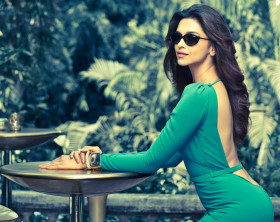 Deepika-Padukone-hd-wallpapers-2013