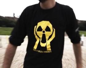 Chernobyl Anniversary Action in RomeAttivisti di Greenpeace hanno trasformato il Circo Massimo in un memoriale a cielo aperto piantando duemila croci per ricordare le vittime della tragedia nucleare di Cernobyl nel giorno del 25° anniversario dell'esplosione del reattore.