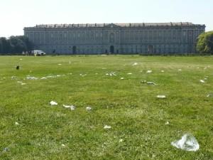 Reggia Caserta: parco sporco, il sottosegretario si indigna
