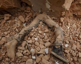img1024-700_dettaglio2_Nepal-terremoto-a-Kathmandu.-Edifici-crollati-centinaia-di-morti_9