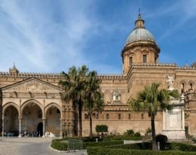 Panoramica_Cattedrale_di_Palermo (900x358)