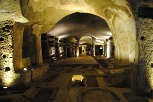 catacombe-san-gennaro-ingresso-592x395