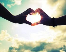 cuore-mano-nella-mano