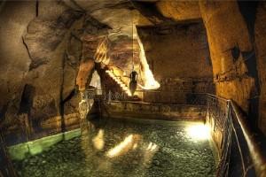escursioni-a-napoli-sotterranea-tunnel-borbonico-cisterna2