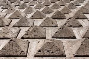 20060119005749_piramidi