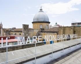 Per_formare_4_il_mare_non_bagna_napoli