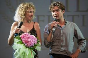 Valeria Golino con Riccardo Scamarcio sul palco del SWFF