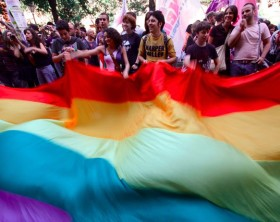 gay_pride_napoli_ansa