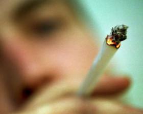 1915_droghe-sale-cannabis-fra-giovani-sballo-ignorando-gli-effetti