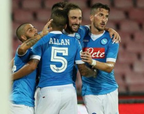 napoli-celebrating-vs-sampdoria_1qr4yyahomo881xyqjvdm01nqo