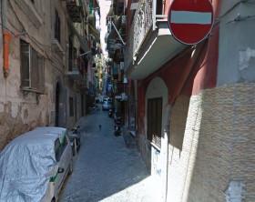 tentato stupro quartieri spagnoli