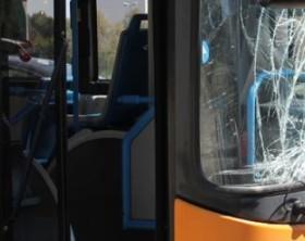 vetro-rotto-autobus-506x285