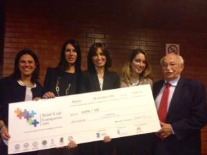 La premiazione del Team di Ricercatrici tutto al femminile di Futura DIAGNOSTICS. Alessia Berni, Valeri