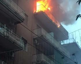 Incendio in un'abitazione a Portici nel giorno di Natale