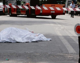 cadavere-morto-lenzuolo-600x320