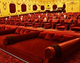 cinema letto poltrone tendenza