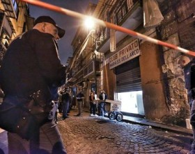Sparatoria a Napoli: killer in azione con bambini in strada