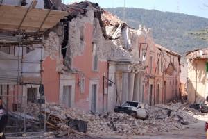 Le macerie del post terremoto (2)
