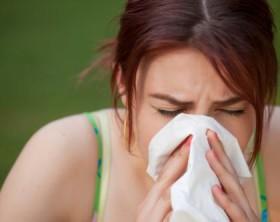 donna-con-allergia