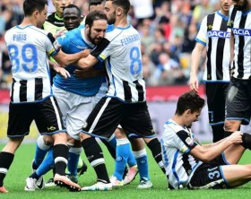 gonzalo-higuain-udinese-napoli-serie-a_12jf6i3lq8s6y1vo9moz0hm7jh