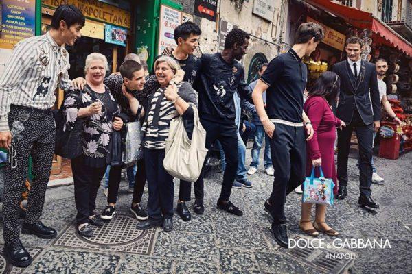 timeless design a7648 073ed D&G: Napoli diventa città eterna con sfilate e serate di ...