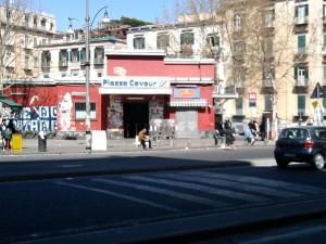 Napoli_stazione_Piazza_Cavour_fabbricato